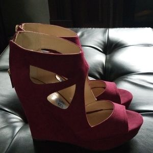 Guess Burgundy Bootie Wedge Heels Sz. 8.5